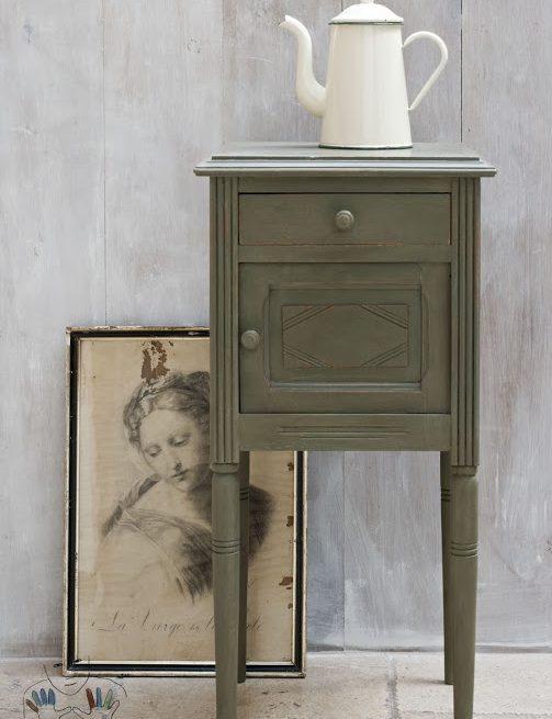 mebel pomalowany w kolorze Olive Chalk Paint Annie Sloan