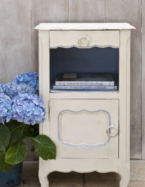 Mebel mała szafka szafeczka pomalowana kolorem Oryginal Chalk Paint Annie Sloan