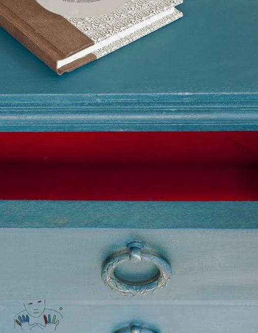 mebel pomalowany w kolorze Aubusson Blue Chalk Paint Annie Sloan