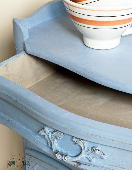 mebel pomalowany w kolorze Louis Blue Chalk Paint Annie Sloan