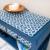 Stolik aubusson Blue blat w geometryczny wzór