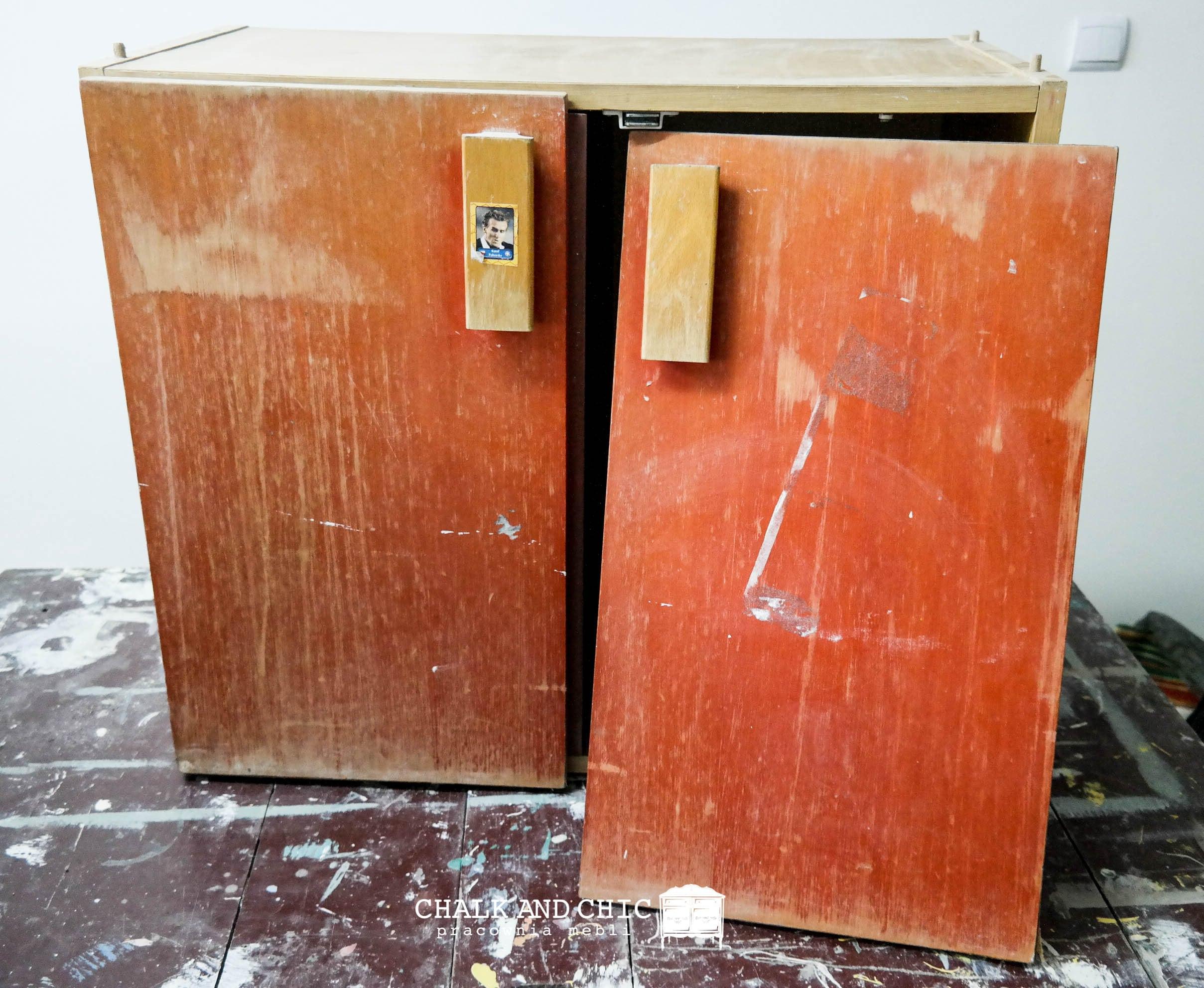 stara szafka jak odnowić starą szafkę farbami kredowymi aby wyglądała jak nowa