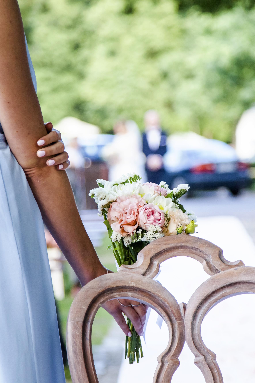 Rustykalne krzesło wesele w stylu rustykalnym