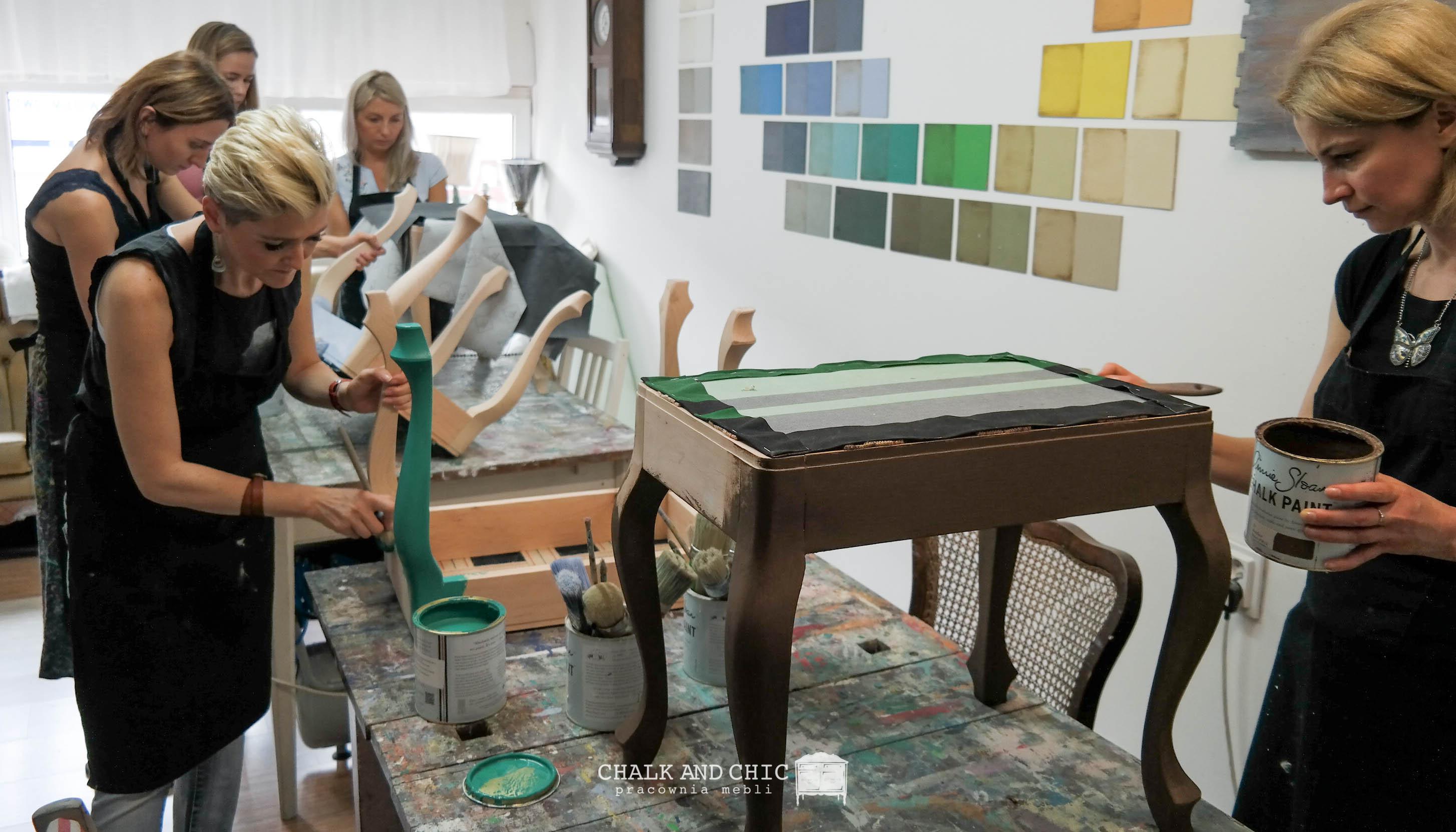 malowanie mebli farbami kredowymi