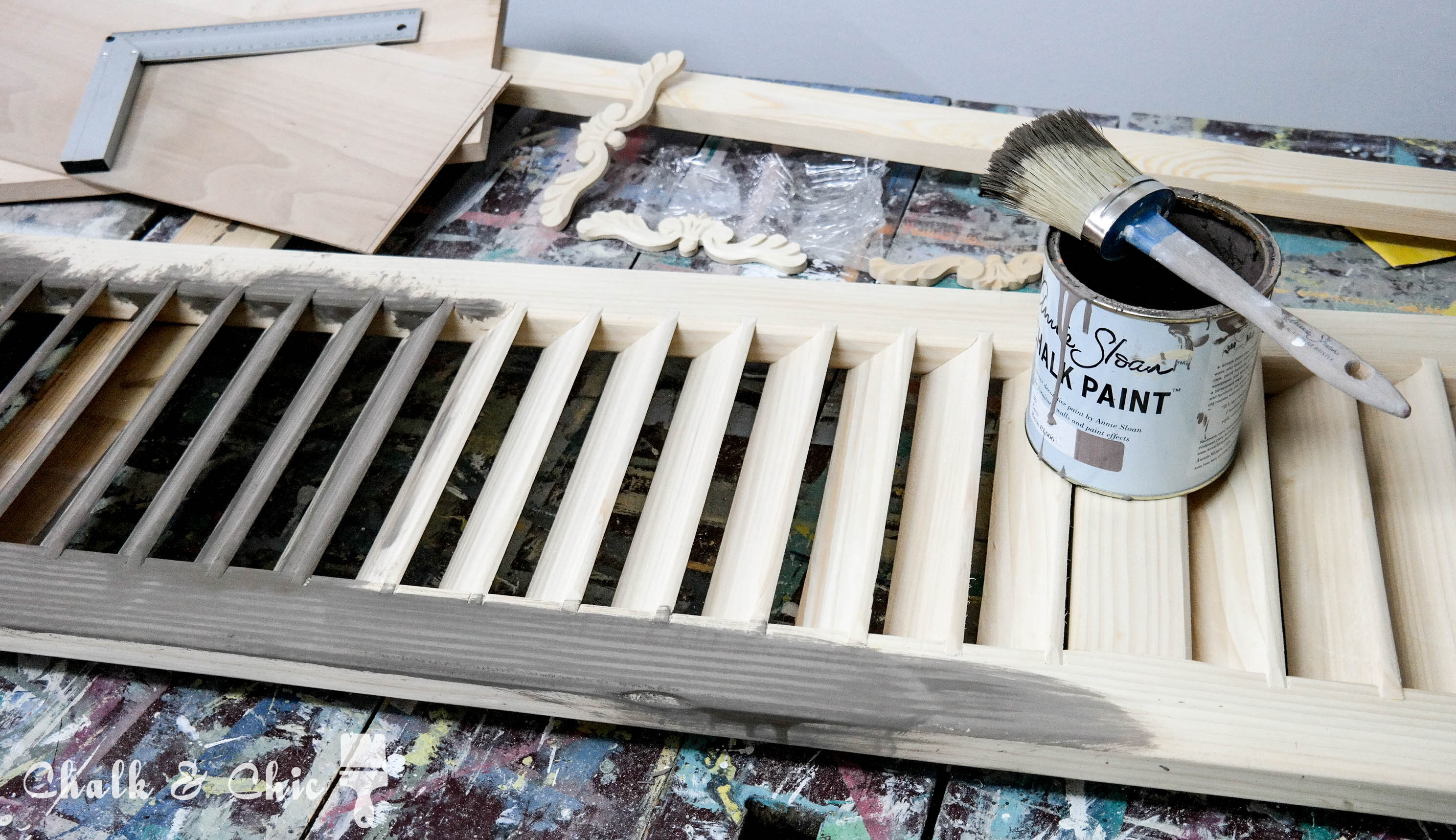 stylizacja malowanie drewniane okiennice diy