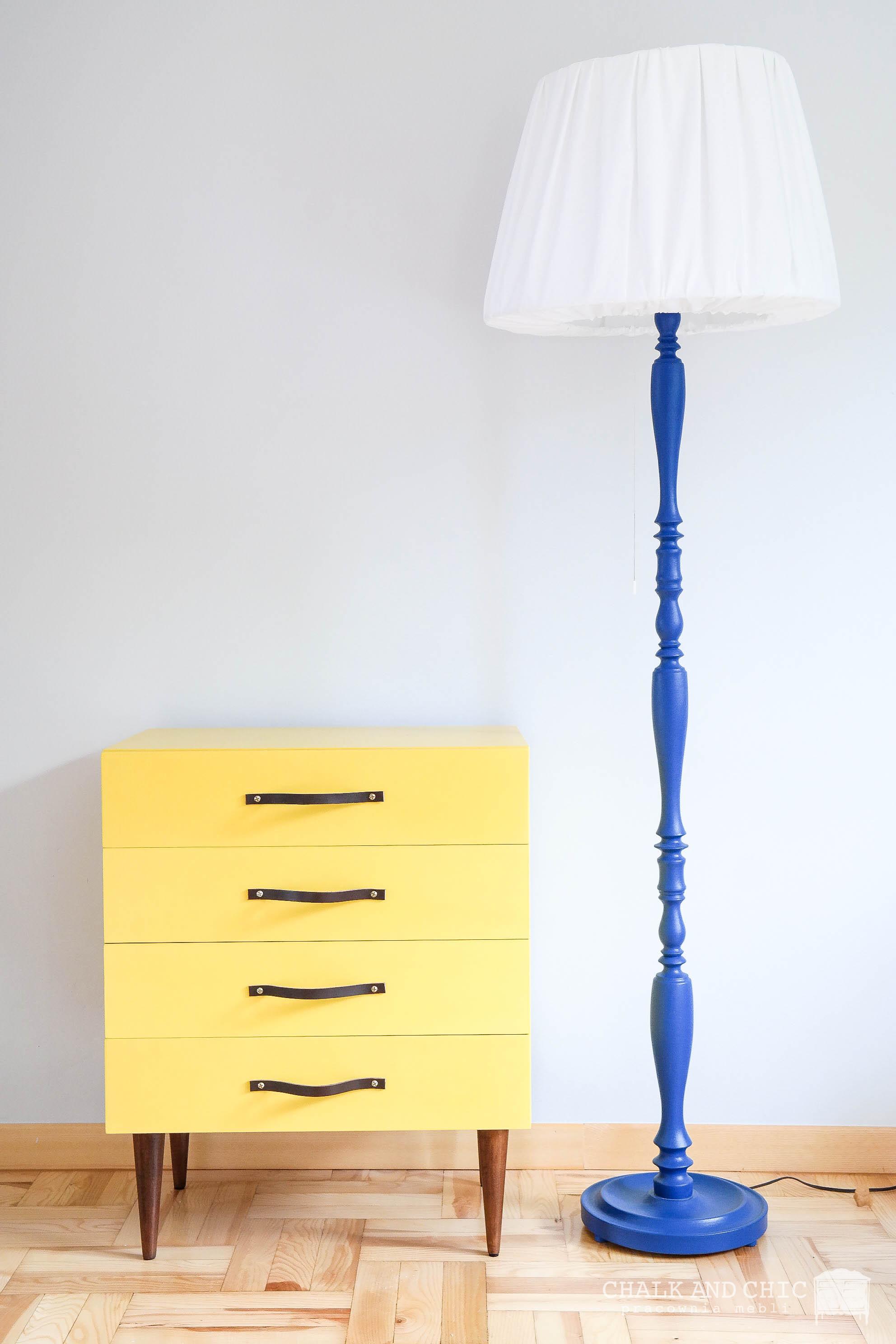 żółta szafka z szufladami metamorfoza