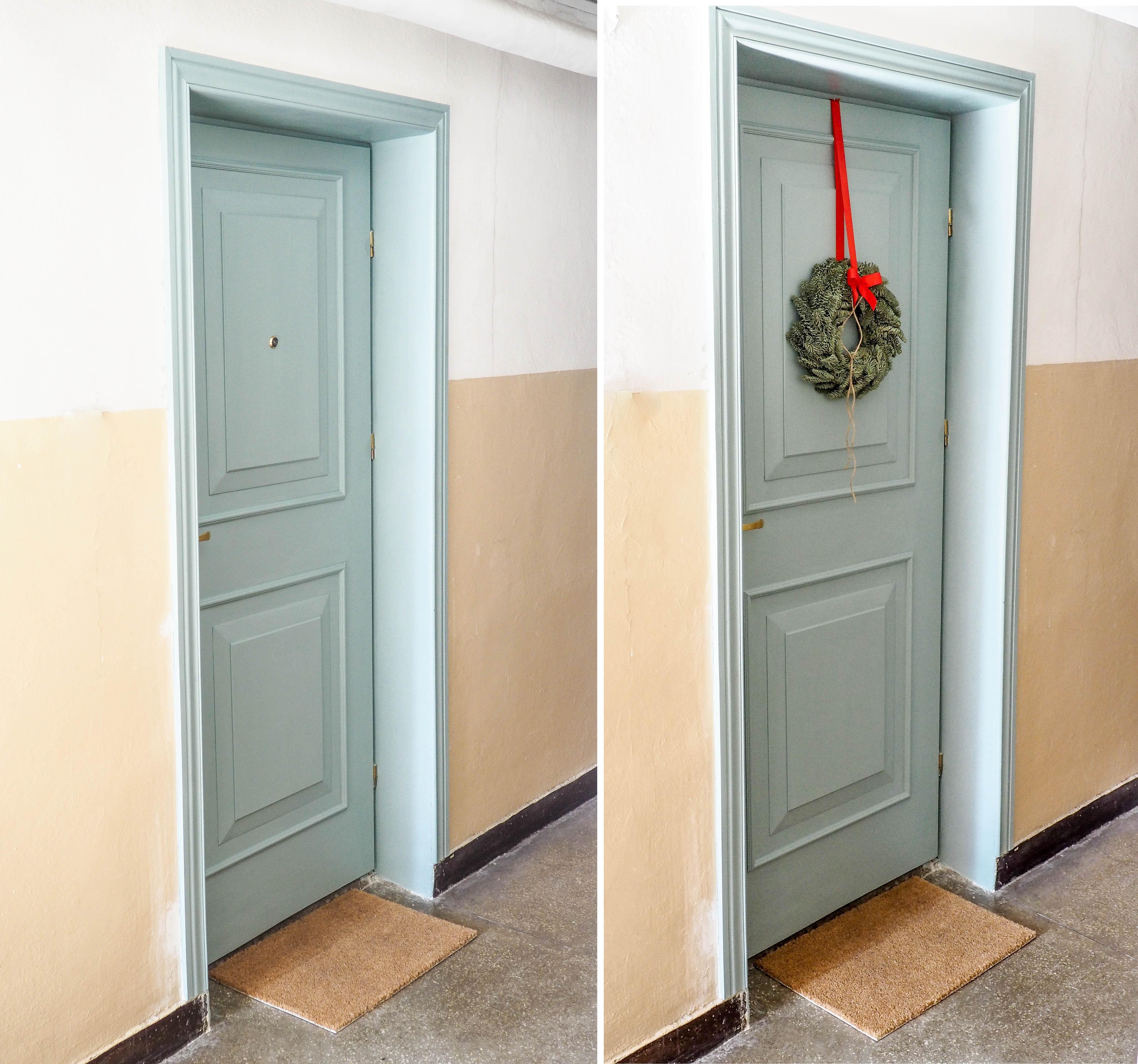 Niebieskie klasyczne drzwi do domu