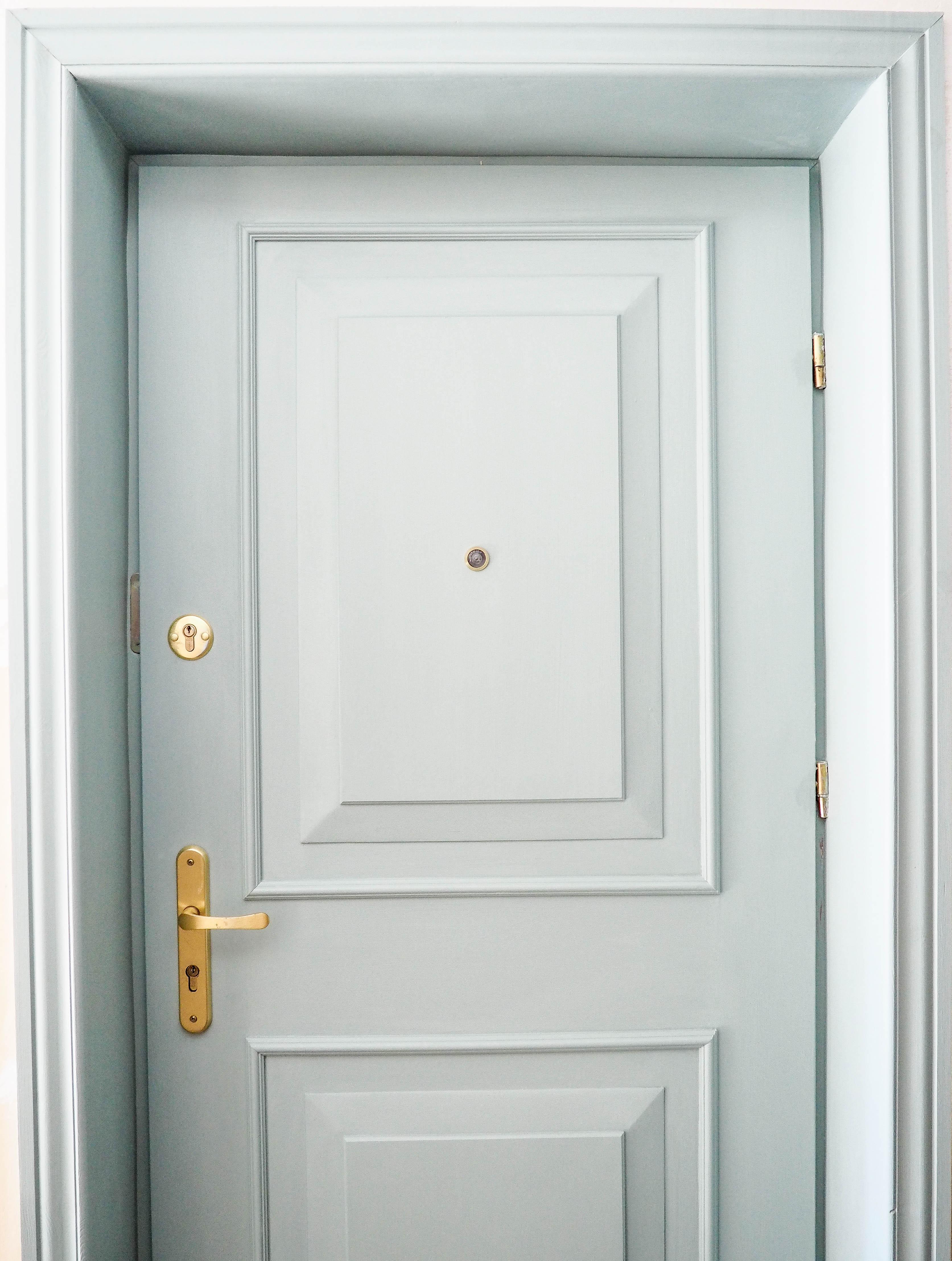 kolorowe angielskie drzwi DIY